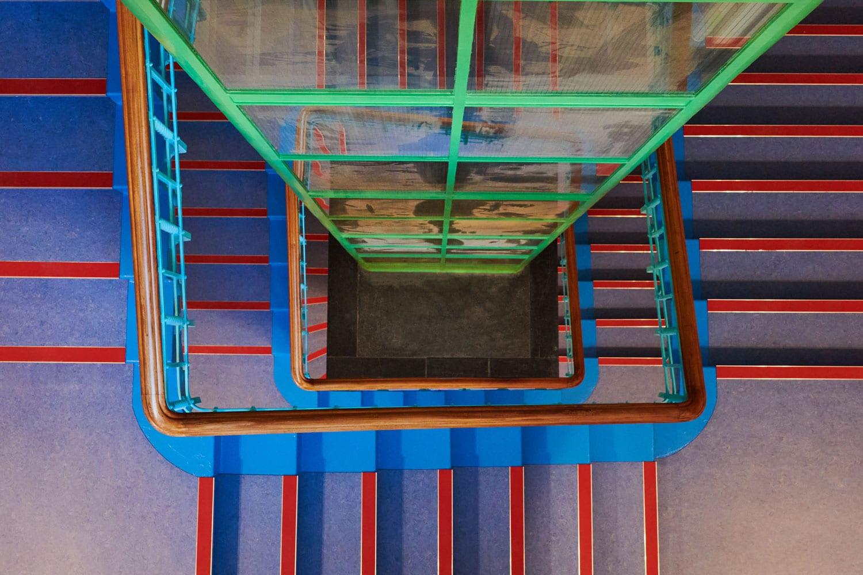 Lys og skygge detaljer i trappeopgang med Lightplanners belysning